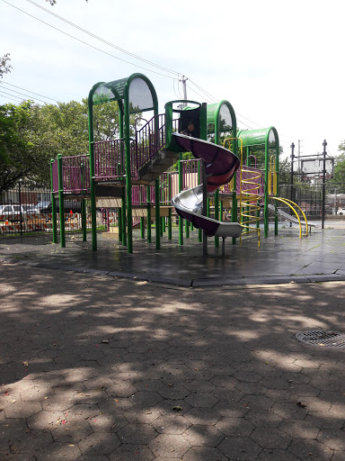 Park «Admiral Park», reviews and photos, 42-25 Little Neck Pkwy, Little Neck, NY 11363, USA