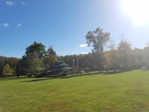 Park «Beech Woods Park», reviews and photos, 137 Beekman Rd, Kendall Park, NJ 08824, USA