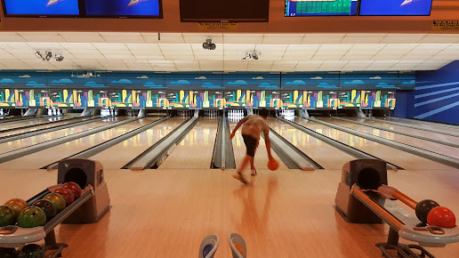 Bowlero West Covina