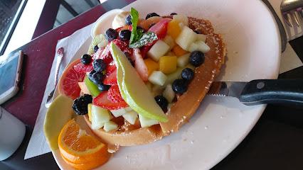Piazza Pazza/ Breakfast Club
