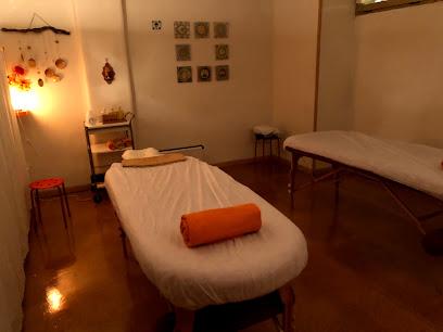 imagen de masajista Masvital: Centro de Masajes en Granada