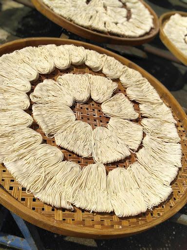 楊 紅紀關廟麺