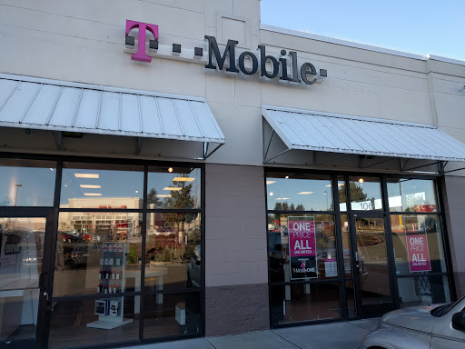 Cell Phone Store «T-Mobile», reviews and photos, 25246 Pacific Hwy S Suite 105, Kent, WA 98032, USA