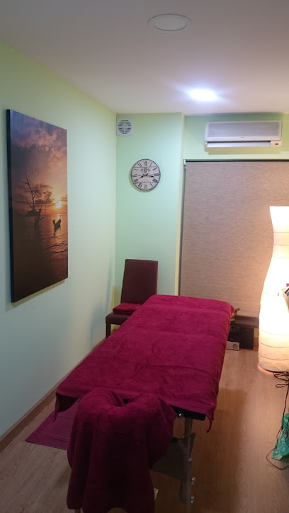 imagen de masajista Botanik Centro de masajes