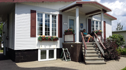 Bed & Breakfast Cottage At Lake à Chambord (QC) | CanaGuide