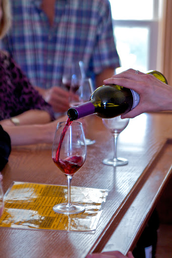 Wine Bar «Lynfred Winery», reviews and photos, 971 N Milwaukee Ave, Wheeling, IL 60090, USA