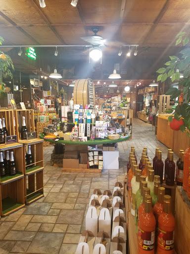 Gift Shop «Florida Orange Groves Winery», reviews and photos, 1500 Pasadena Ave S, South Pasadena, FL 33707, USA
