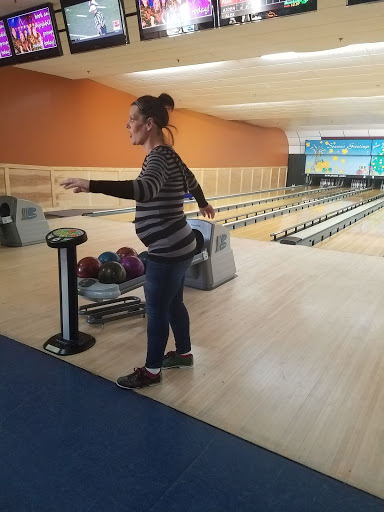 Bowling Alley «Bowlerama Lanes», reviews and photos, 1313 E Diehl Ave, Des Moines, IA 50315, USA