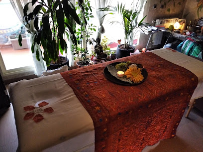 imagen de masajista Alanta masajes Holisticos con Alma
