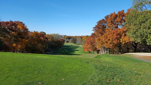 Golf Course «Mt Hood Municipal Golf Course», reviews and photos, 100 Slayton Rd, Melrose, MA 02176, USA