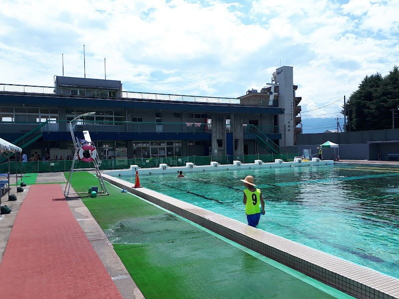 甲府市緑が丘スポーツ公園水泳場