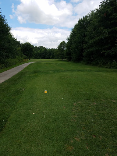 Golf Course «Friendly Meadows Golf Course», reviews and photos, 809 OH-125, Hamersville, OH 45130, USA
