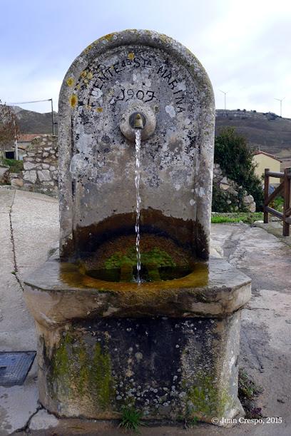 Lavadero público de Monasterio de Rodilla