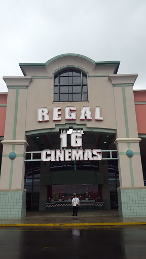 Movie Theater «Regal Cinemas Trussville 16», reviews and photos, 5895 Trussville Crossings Pkwy, Birmingham, AL 35235, USA