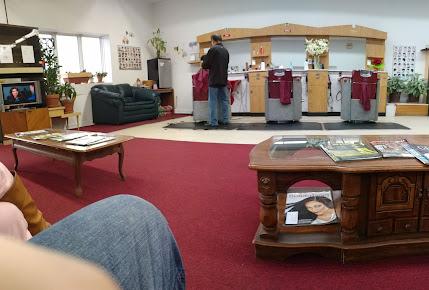 DW Lee's Style & Barber Shop