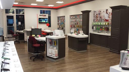 Cell Phone Store «Verizon Wireless Hopkinton», reviews and photos, 89 W Main St, Hopkinton, MA 01748, USA