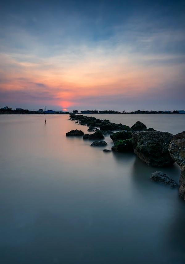 Pantai Dampo Awang
