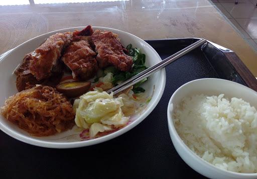 茄老爌肉飯牛肉麵
