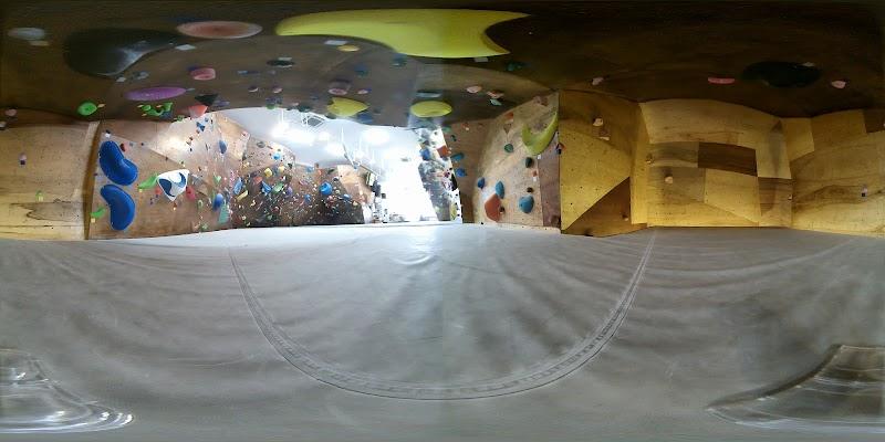 Cronico indoor climbing facility - ボルダリングジム クロニコ - 神崎川店