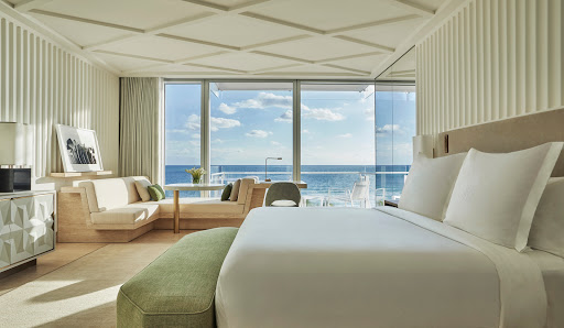 Luxury Hotel «Four Seasons Hotel at The Surf Club, Surfside, Florida», reviews and photos, 9101 Collins Ave, Surfside, FL 33154, USA