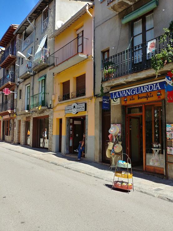 FRANKFURT CHAPLIN Carrer del Raval, 59, 08695 Bagà, Barcelona