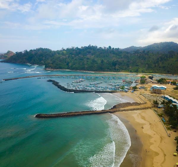 Pantai Mustika Pancer
