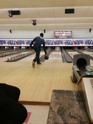 Bowling Alley «Strike 10 Lanes», reviews and photos, 849 Long Island Ave, Deer Park, NY 11729, USA