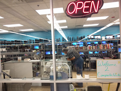 Goodwill Central Texas - Macfarlane Center & Computer Works, 8965 Research Blvd, Austin, TX 78758, Thrift Store