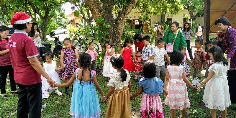 Acara Natal bersama anak-anak PIA