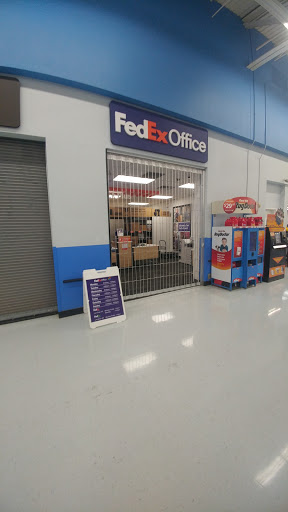 Print Shop «FedEx Office Print & Ship Center (Inside Walmart)», reviews and photos