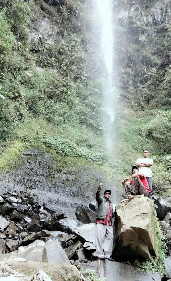 Wisata alam Curug Awu