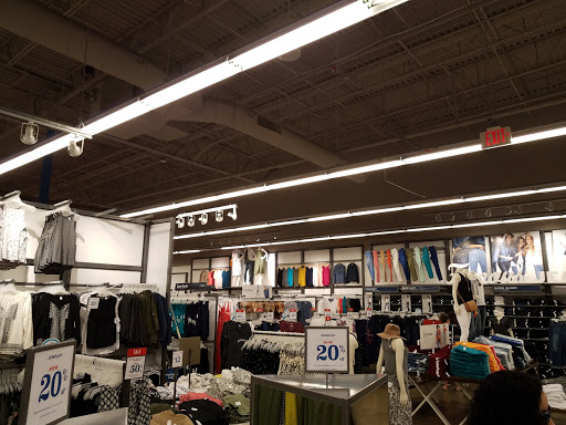 Clothing Store «Old Navy», reviews and photos, 30 International Dr S, Flanders, NJ 07836, USA