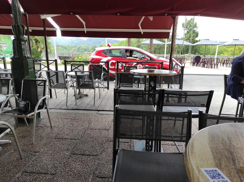 photo du resaurant Le Café Russe