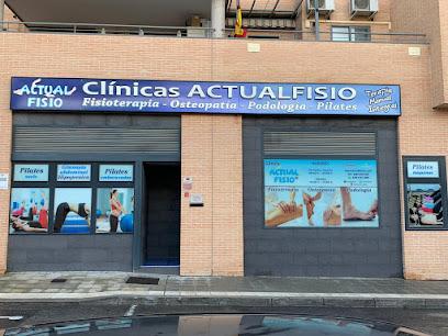 imagen de masajista Actualfisio Fisioterapia y Osteopatía en Valdemoro