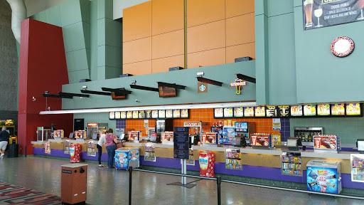 Movie Theater «Regal Cinemas Sherwood 10», reviews and photos, 15995 SW Tualatin-Sherwood Rd, Sherwood, OR 97140, USA