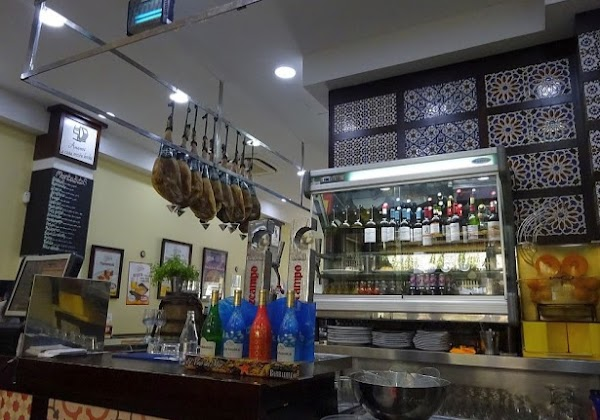 Opiniones Patio San Eloy Santa Catalina Restaurante De Sevilla