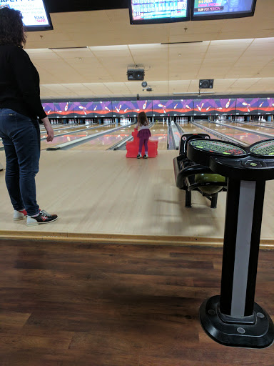Bowling Alley «AMF Somerset Lanes», reviews and photos, 231 Riverside Ave, Somerset, MA 02725, USA