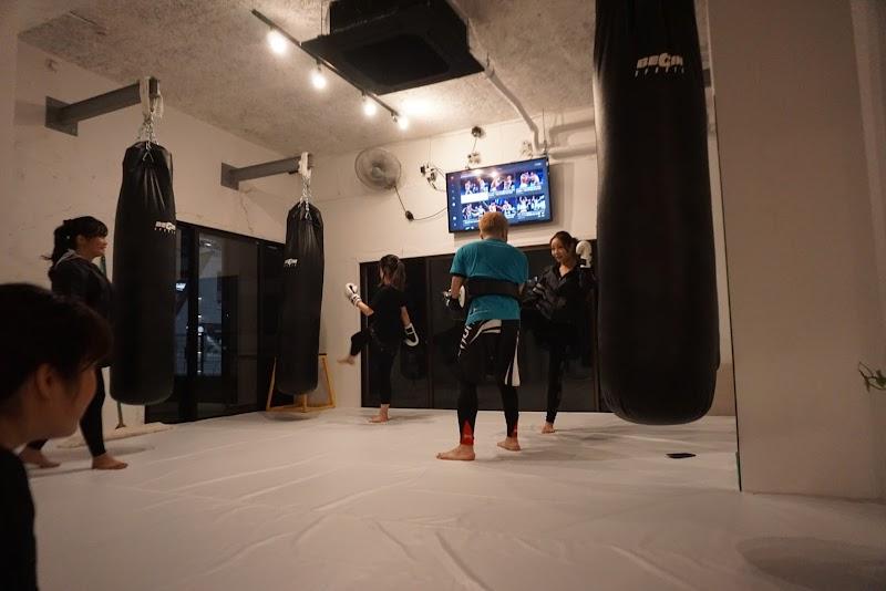 福岡市博多駅前キックボクシングジム|アンカレッジ
