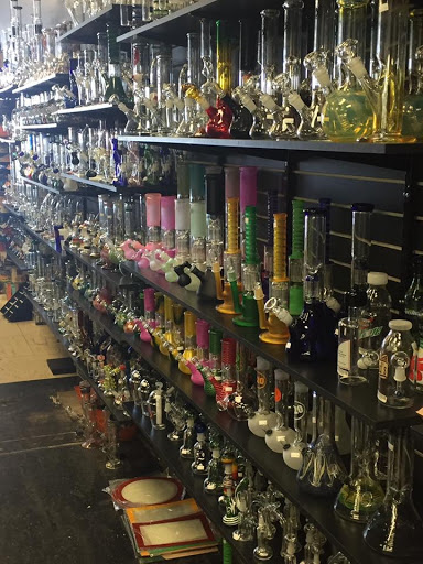 Gift Shop «RedEye Smoke Shop And Gift Shop», reviews and photos, 1434 Missouri Ave, Las Cruces, NM 88001, USA