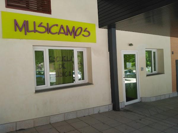 Escuela de Música Musicamos