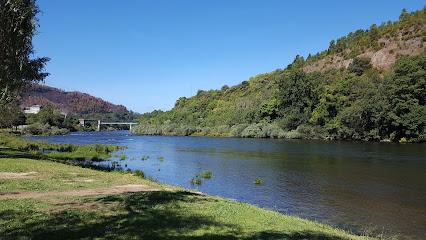 Praia fluvial de San Clodio