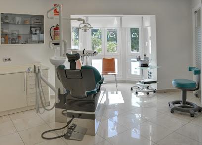 Clinica Dental Malaga Dres. Salinas. Dentistas en Málaga