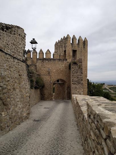 Torre de la Barbacana y Puerta de los Santos