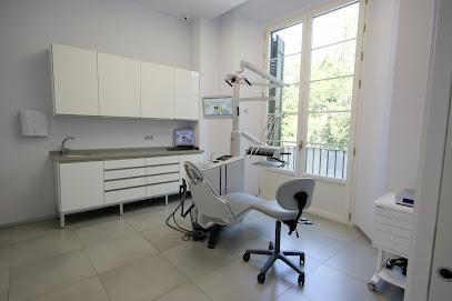Dental and Maxillofacial Clinic Navarro Martínez