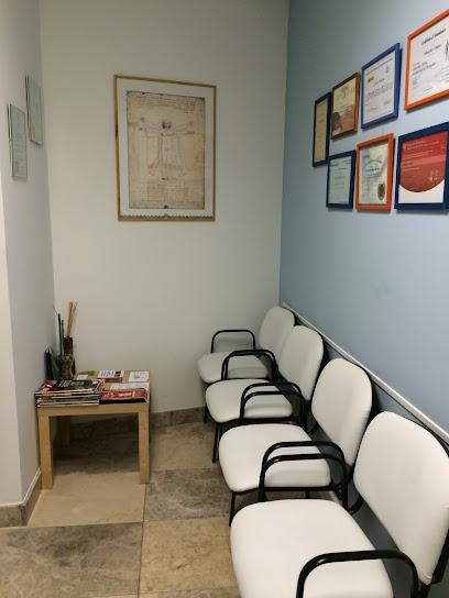 imagen de masajista E.Fages Physiotherapy, Pilates and Podiatry