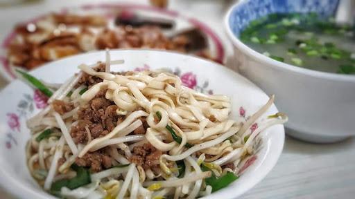 蔣家麵館(西港慶安宮對面左邊.婆媳)