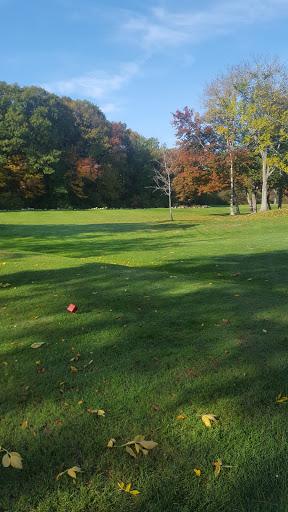 Golf Course «Fairlawn Golf Course», reviews and photos, 3 Sherman Ave, Lincoln, RI 02865, USA