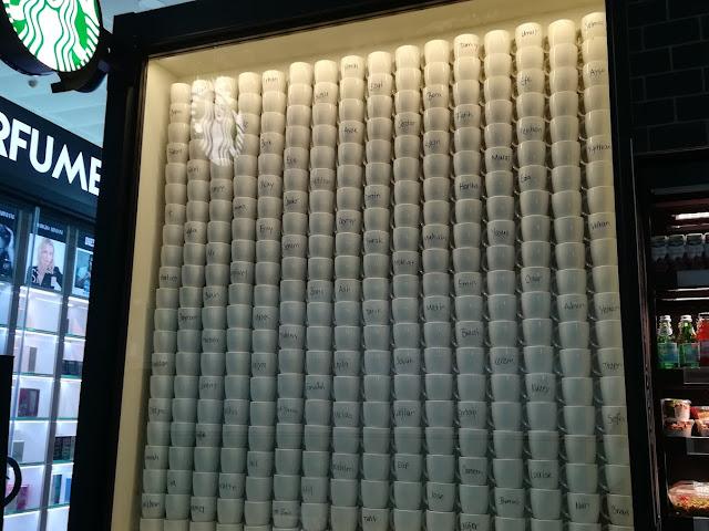Starbucks - İç Hatlar Gi̇di̇ş
