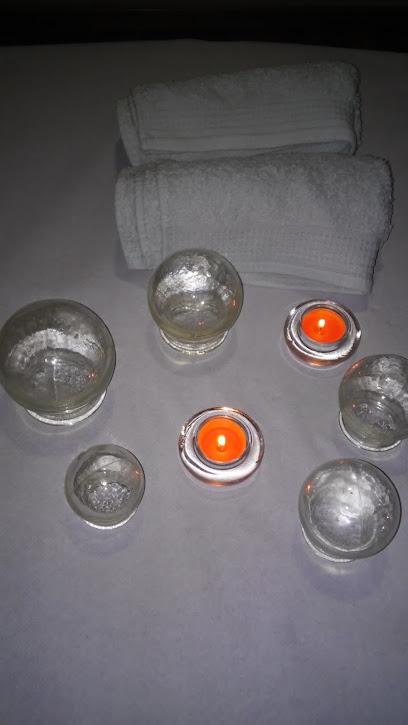 imagen de masajista Centro de Masoterapia Manos