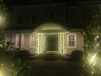 The Buzz on Holiday Lights Installer